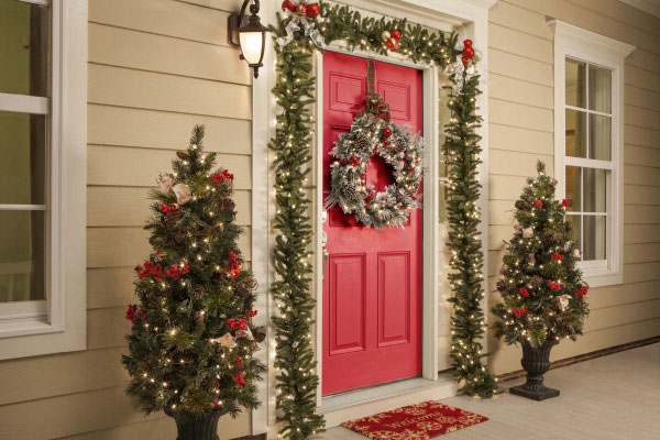 When It Comes To Decorating Your Door, You Want Something That Appeals To,  And Pleases The Eye. Red Is A Powerful Color That Is Extremely Effective At  ...
